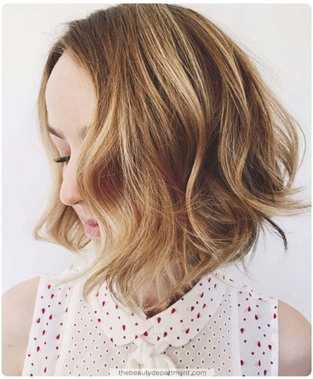 Cool and Easy DIY Hairstyles - Softening Up A Wavy Bob - Quick and Easy Ideas for Back to School Styles for Medium, Short and Long Hair - Fun Tips and Best Step by Step Tutorials for Teens, Prom, Weddings, Special Occasions and Work. Up dos, Braids, Top Knots and Buns, Super Summer Looks http://diyprojectsforteens.com/diy-cool-easy-hairstyles