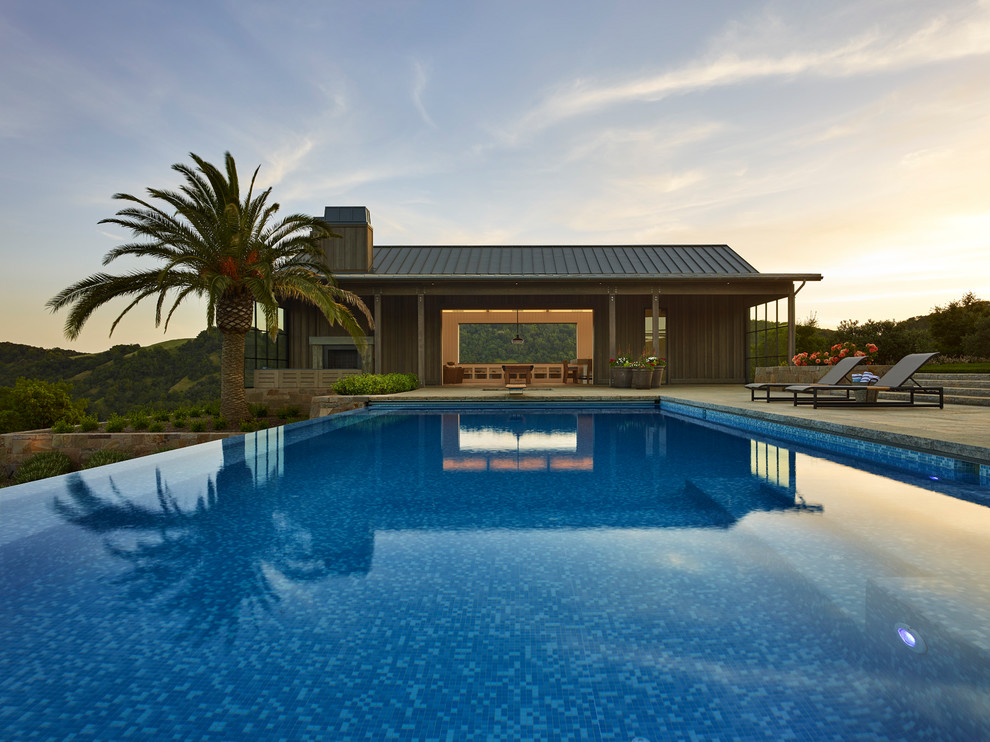 Dazzling private swimming pools that will embellish your for Private swimming pool
