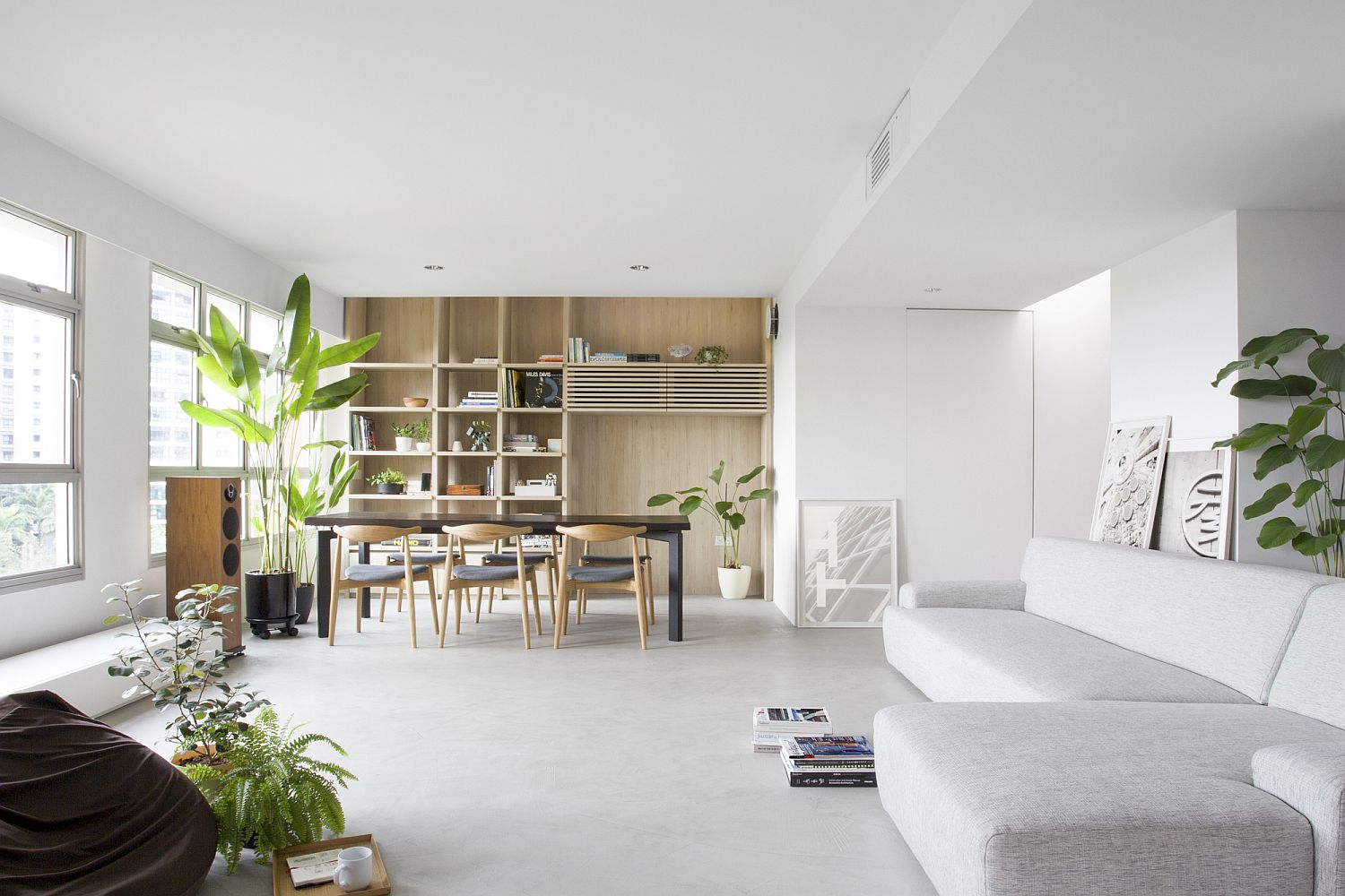 Sliding Partitions and Indoor Garden Transform this Modern Singapore ...