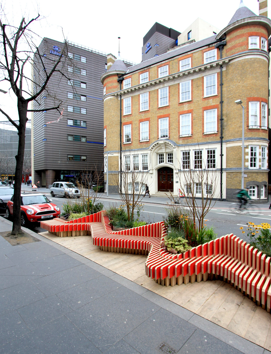 Portable parklet by wmb studio adds greenery to london 39 s for Design bridge london