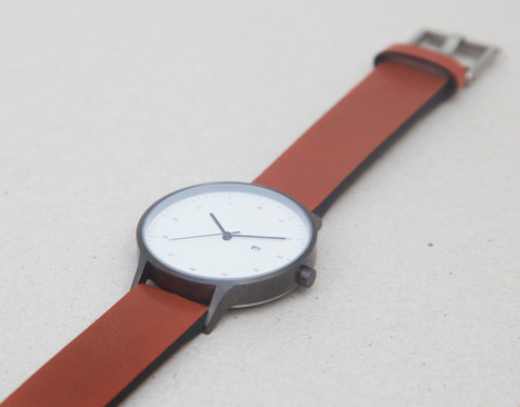 INSTRMNT 01 in gunmetal/tan