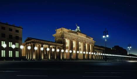 Berlin Lichtgrenze marks 25 years since the fall of the Berlin wall