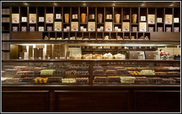 Best-Display-Arrangement-Chocolate-Store