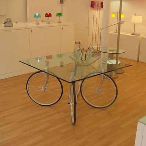 Tour – A Table for Bike Fanatics