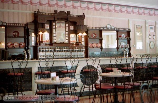 chocolate shop interior design (1)