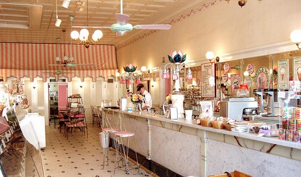 chocolate shop interior design (8)