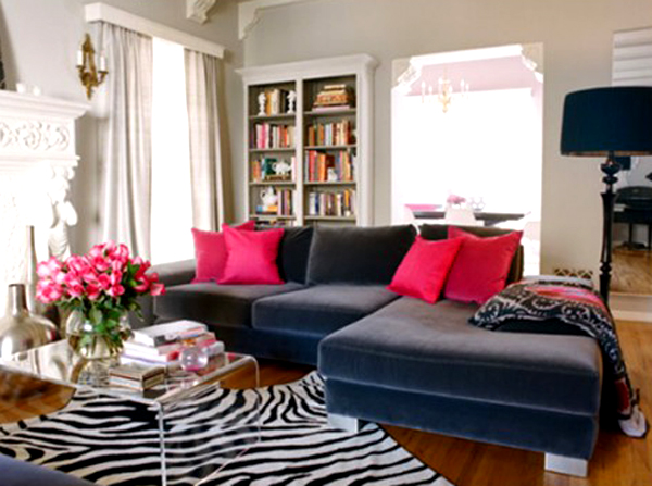 Decorating with a dark gray couch1