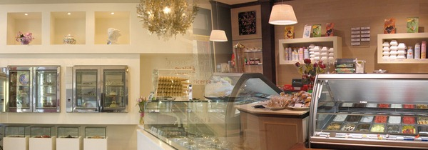 icecream-parlor-interior-design-and-furniture-italian-style-01