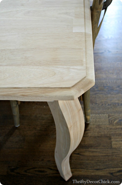 curved leg table