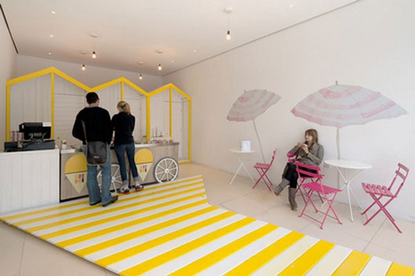 Inviting-Ice-Cream-Shop-Interior-Design-2