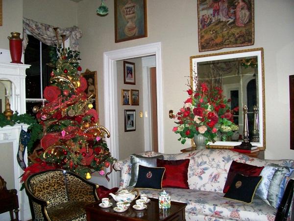 Luxury-Christmas-Living-Room-Decor