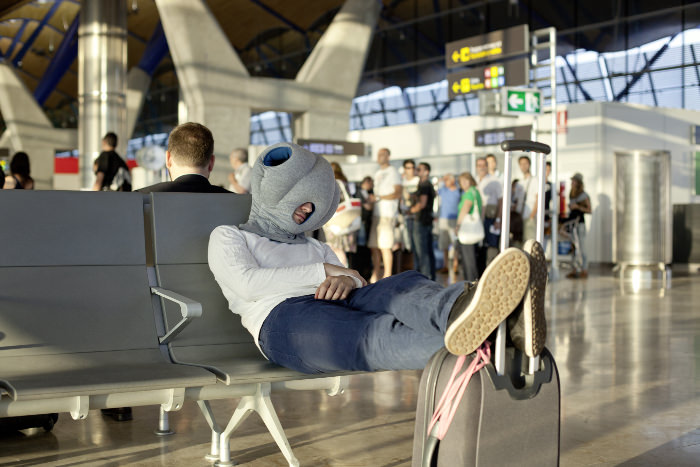 Ostrich Pillow les coussins de sieste par le Studio Banana Things
