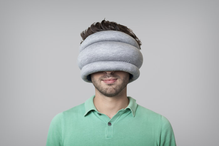 Ostrich Pillow reversible les coussins de sieste par le Studio Banana Things