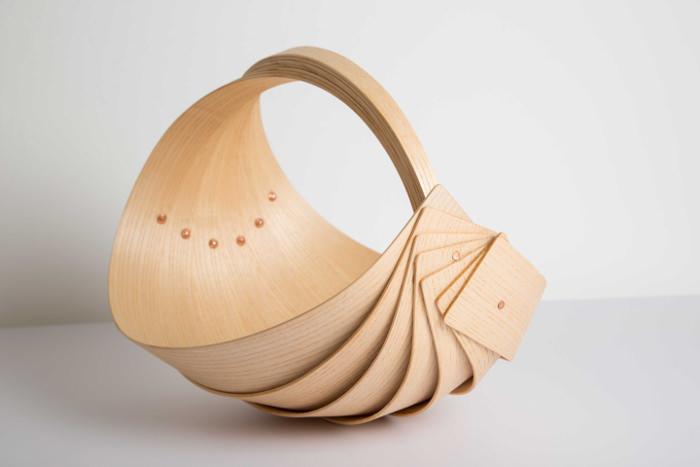 Trugs le panier en bois cintré par Jane Crisp