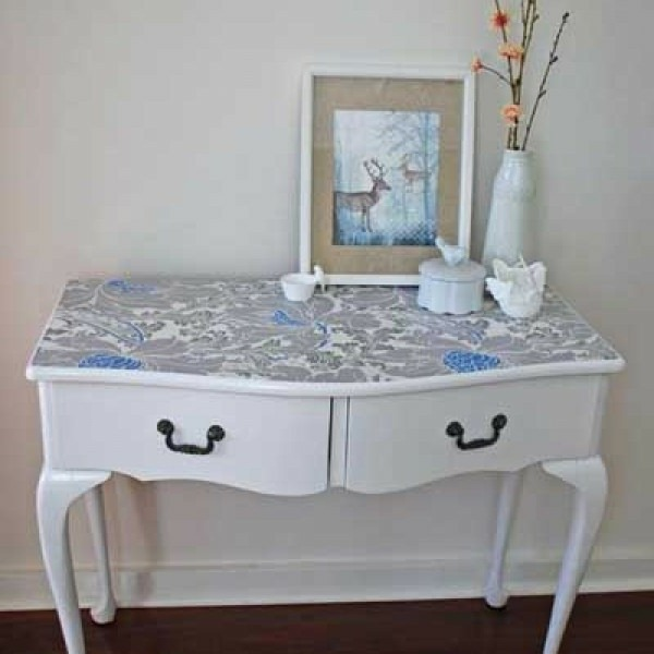 wall wallpaper application ideev table